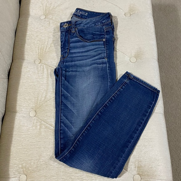 AE Skinny Jeans Size 2 SHORT